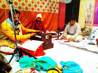 नॉएडा सेक्टर-२२ शिव दुर्गा धाम मंदिर में रामायण पाठ के कार्यक्रम का आयोजन हुआ - ११