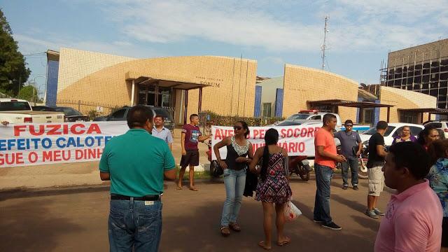 TRABALHADORES DENUNCIARAM NA IMPRENSA A FALTA DE PAGAMENTO DOS SERVIDORES DE AVEIRO