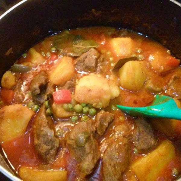 Carne de res guisada con papas a la cubana cocinar en for Recetas facilisimo
