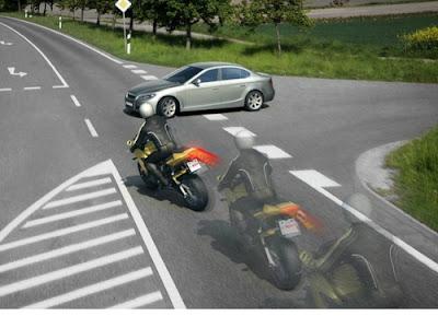 Toàn quốc - HỆ THỐNG PHANH ABS MỚI CỦA VESPA– Vespa Trần Khắc Chân How-motorcycle-abs-works-64330-7-1376270676_500x0