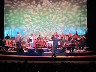 Pós-Bossa Nova embala Teatro Amazonas em concerto da Amazonas Band
