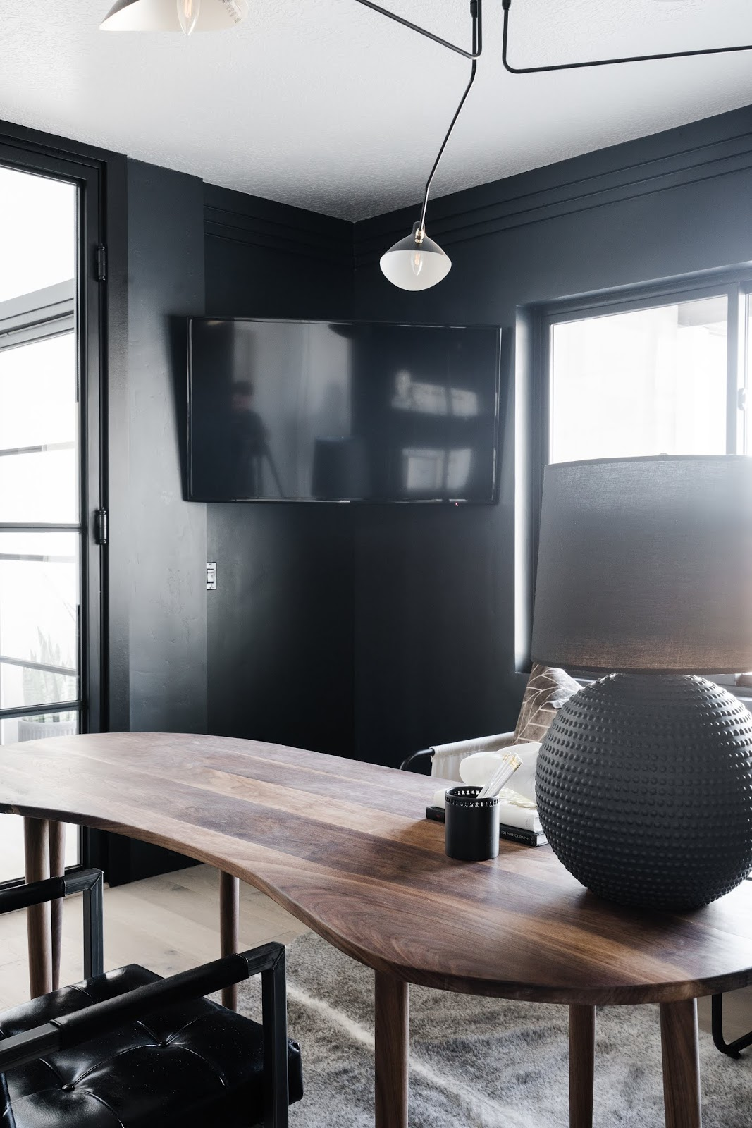 Office TV, Masculine Office Desk