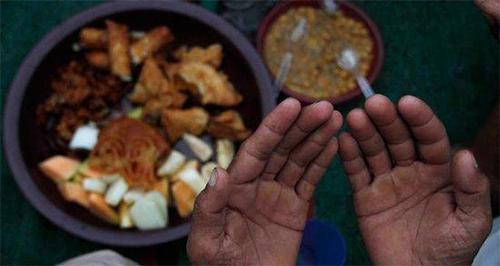 Kedahsyatan Bacaan Bismillah Sebelum Makan Apapun