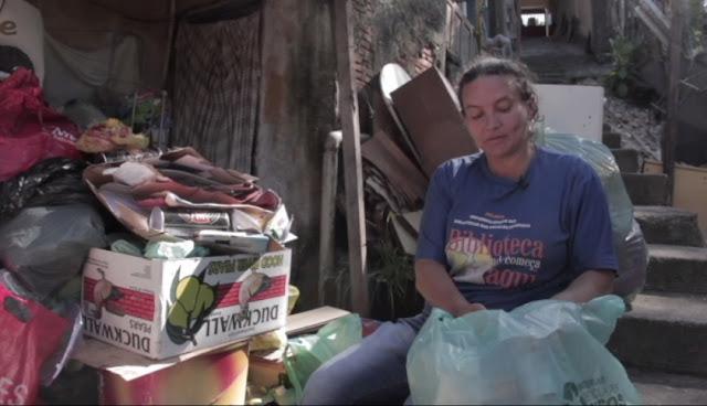 Documentário conta dia-a-dia de catadora de materiais recicláveis