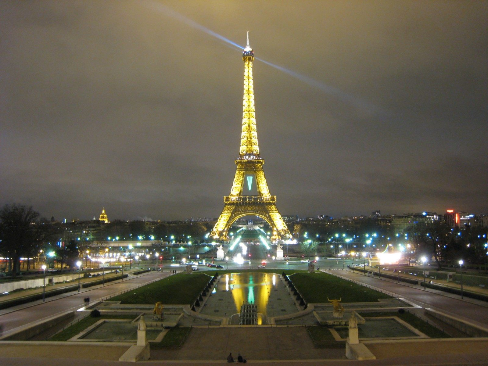 Wall Quotes For Bedroom Paris Paris Eiffel Tower At Night