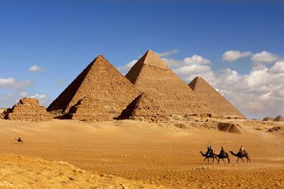 Mengungkap Misteri Pembangunan Piramida Giza Mesir