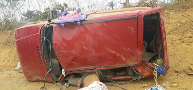 Motorista morre e três familiares ficam feridos após carro capotar na RO 133 em Machadinho