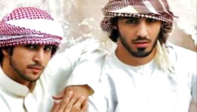 Karena Terlalu Tampan, Dua Pemuda Ini Diusir Dari Negerinya
