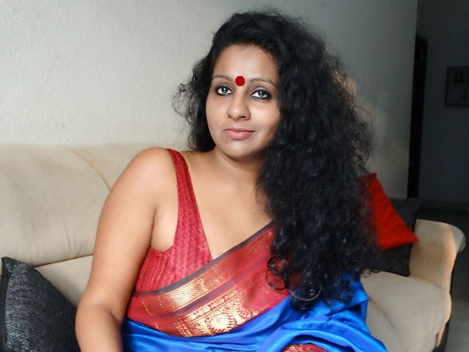 Meet women in Mumbai