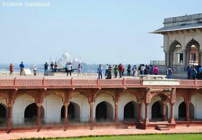 Tempat wisata populer dan terkenal di India Agra Fort
