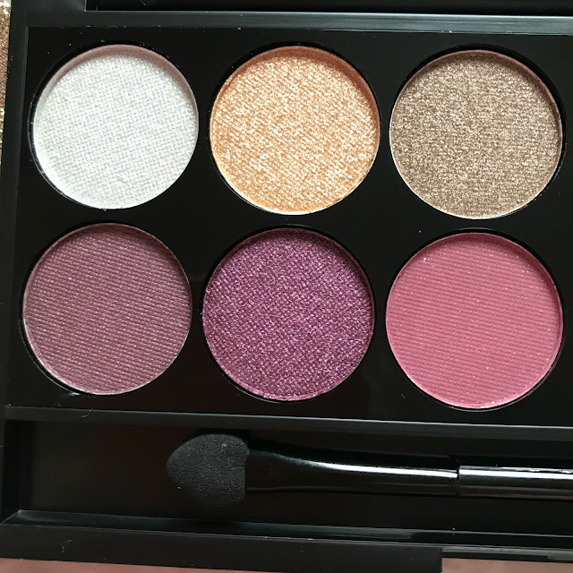 Sleek i-Divine Eyeshadow Palette in Vintage Romance