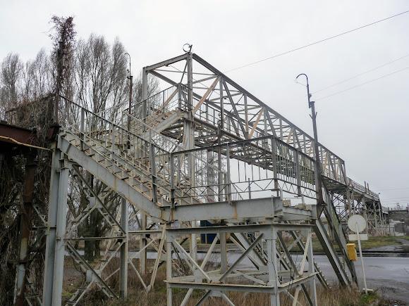 Костянтинівка. Наземний перехід на територію заводу «Автоскло»