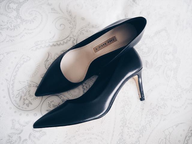 photo-zapato-salon-negro-zara-basico
