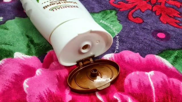 Patanjali Kesh Kanti Natural Hair Cleanser packaging