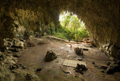 Situs prasejarah goa Liang Buah