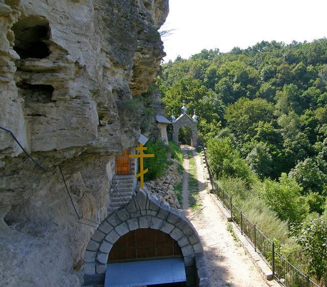 Галицкий пещерный монастырь