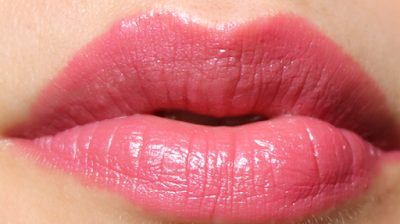 Dolce & Gabbana Shine Lipstick in SN1 001 review swatches