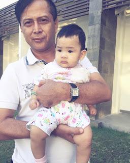 Foto Dena Rachman dengan Ayahnya