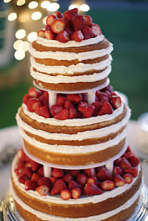 beautiful-strawberry-shortcake-wedding-cake