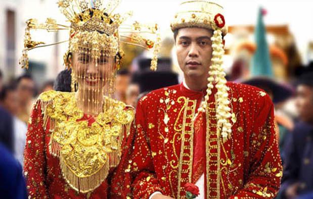 Suku Betawi dianggap sebagai suku dengan tingkat akulturasi budaya yang sangat tinggi di  Filosofi 3 Pakaian Adat Betawi, Pernikahan Salah Satunya