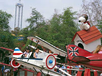parque de atracciones de Snoopy, se llama Knott's Berry Farm