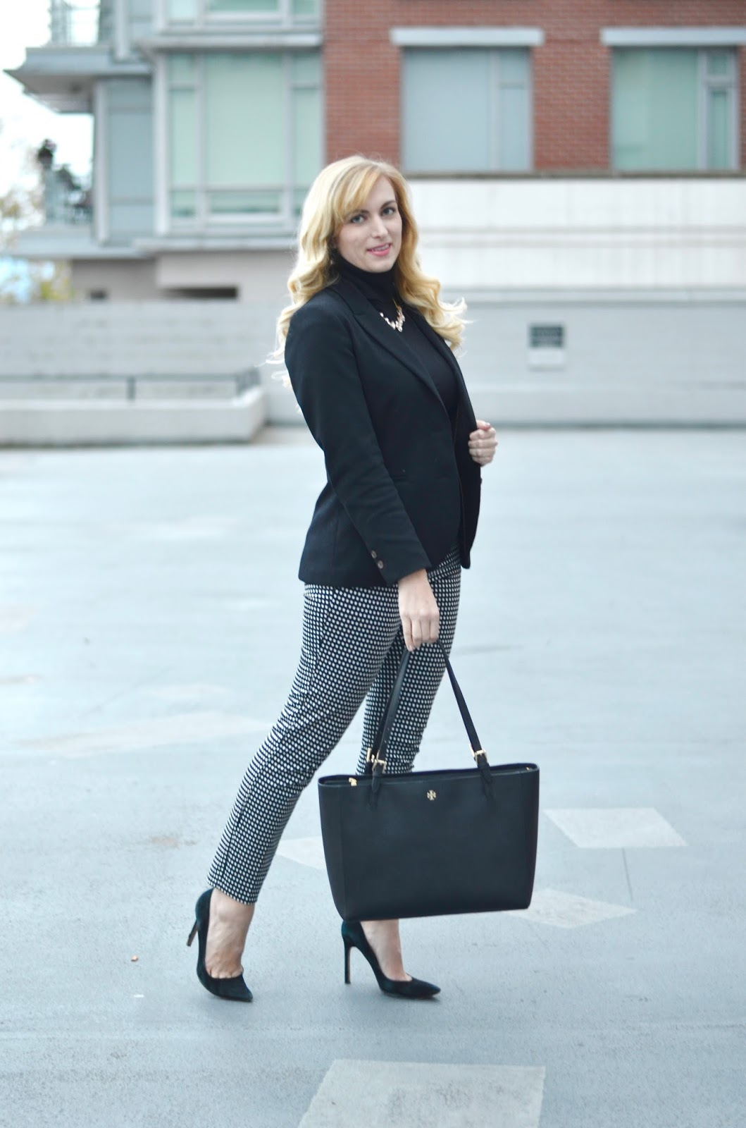 black and white classic work outfit