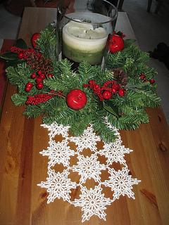 12 Free Christmas Winter Holiday Table Runner Crochet