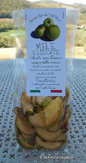 confetture gelatine salamoia tarassaco sale aromatico erbe secche tisane ortica cinorrodi ghirlande sassi decorati lavanda