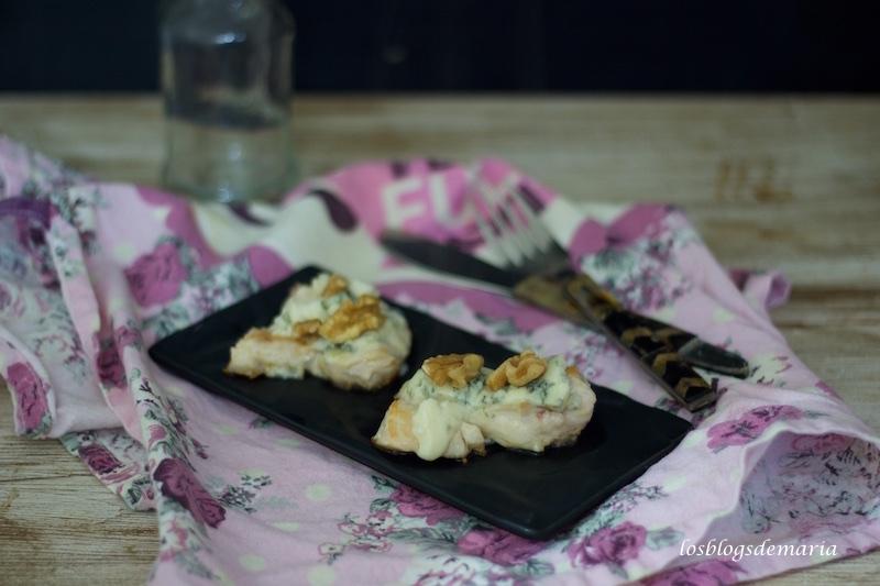 Chuletas de pavo con queso azul y nueces
