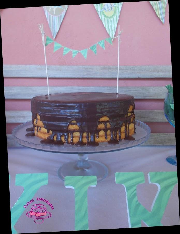 Drip cake dinosaurios