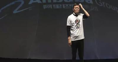 Jack Ma Disoraki & Diprotes Saat Tulis '9+9=19' Namun Jawabannya Membungkam Semua Orang
