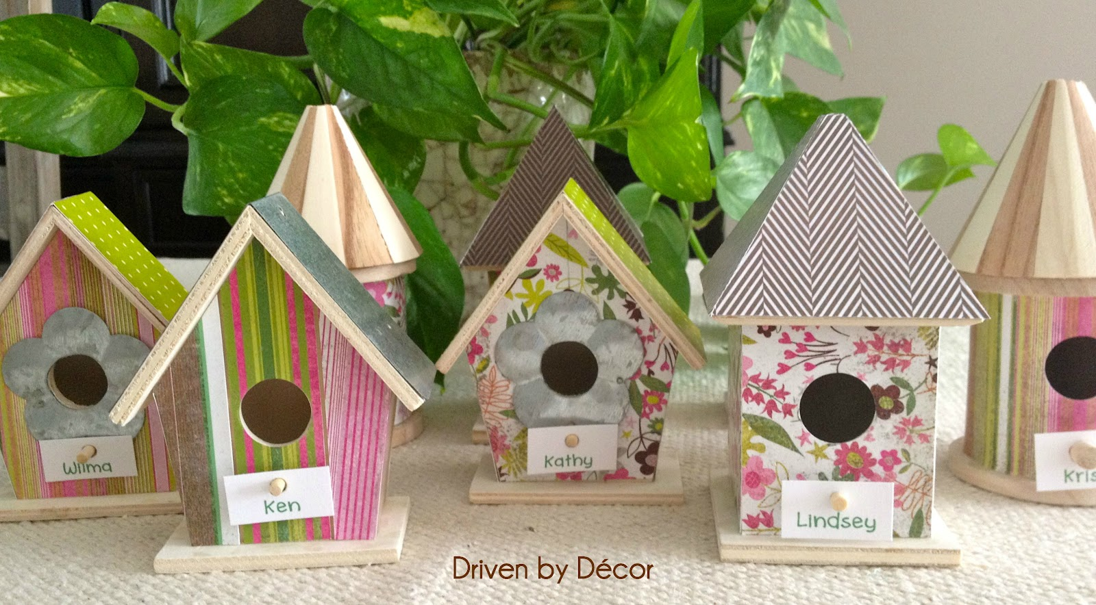 Easter table decorations diy birdhouse place cards for Bird home decor