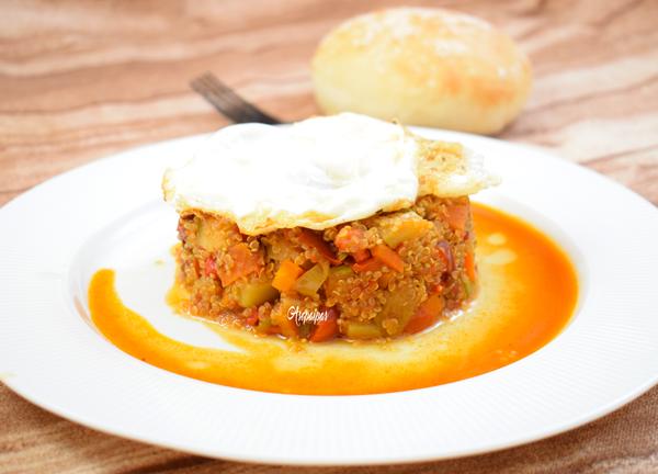 Quinoa con Verduras y Huevo Frito. Vídeo Receta