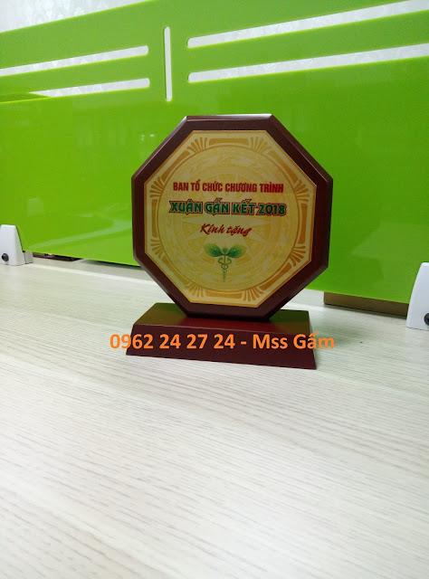 địa chỉ sản xuất đĩa vàng bạc đồng làm quà tặng, cơ sở bán đĩa đồng viền gỗ