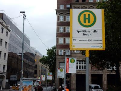 http://www.rp-online.de/nrw/staedte/duesseldorf/rheinbahn-haltestellen-in-duesseldorf-so-sehen-die-neuen-schilder-aus-aid-1.6149813