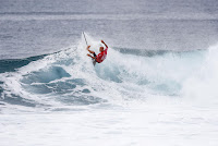 15 Kelly Slater Billabong Pipe Masters 2016 foto WSL Damien Poullenot