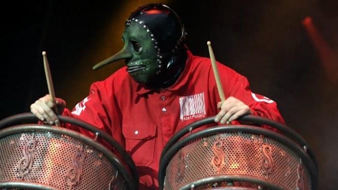 ¿Problemas en Slipknot? Un mienbro demandará a la banda por un tema monetario.