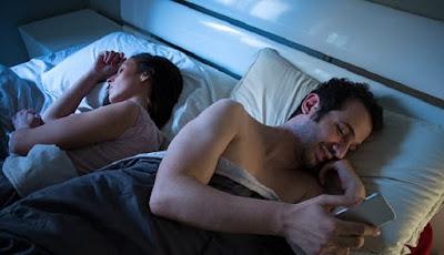 Istri Perlu Tahu, 6 Tanda Suami Anda Sedang Berselingkuh