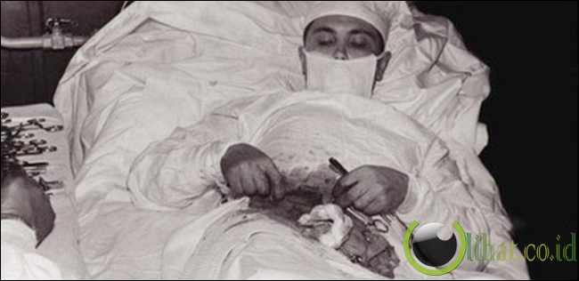 Dr Leonid Rogozov,Born 1937 - Operasi Appendictomy