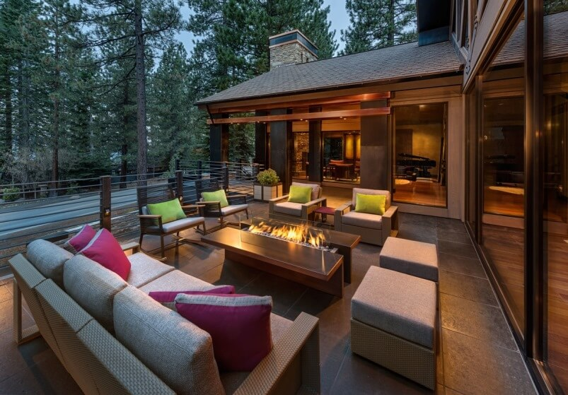 Essentials For Creating Cozy Outdoor Living Room Design