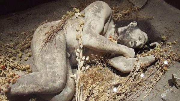 Genus Homo Neanderthal, ritual pemakaman