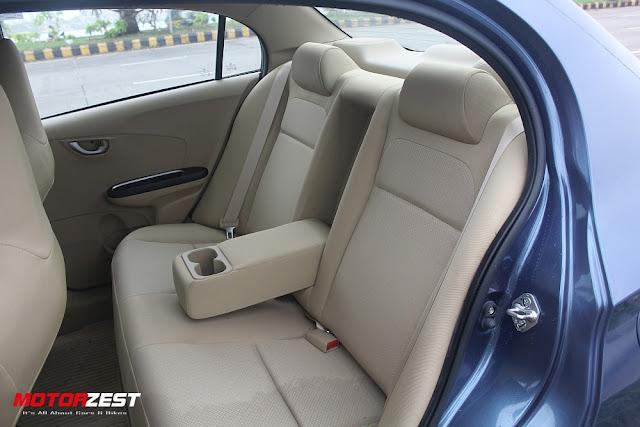 2016 Honda Amaze backseats