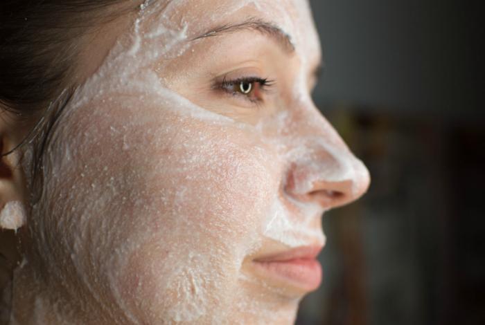 Comment utiliser l aspirine pour enlever les taches de visage et les ... 333125f3f28