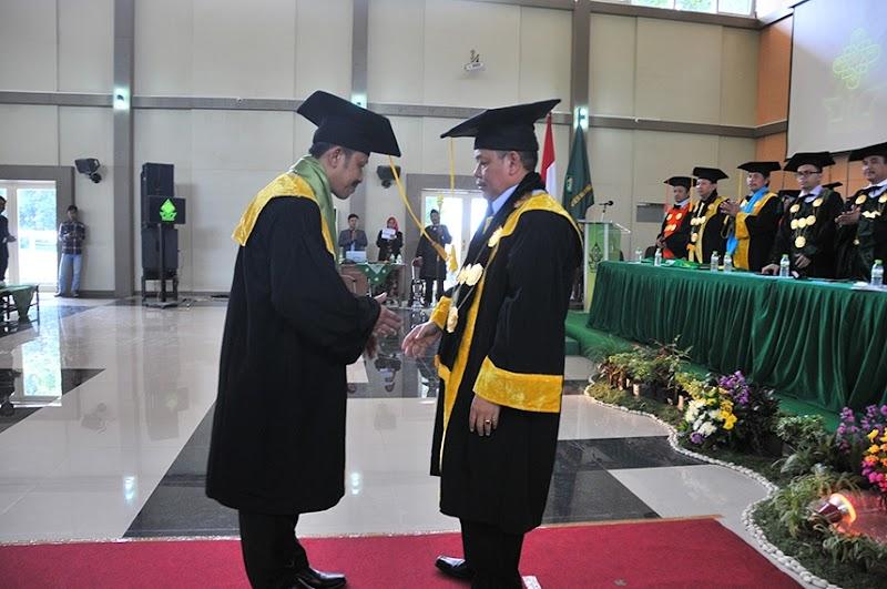 Berbekal Ilmu Jurnalistik, Kabid Dikdasmen LP Ma'arif NU Jateng Raih Profesor di Usia Muda