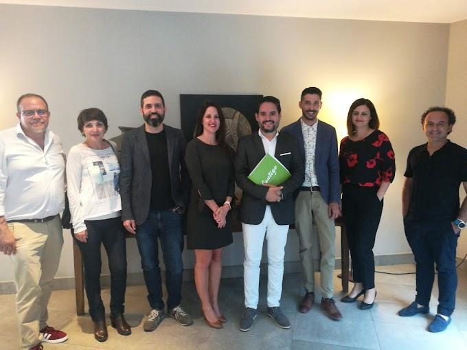 David Caballero hará realidad un nuevo hotel en Arenales del Sol para convertirlo en referencia turística