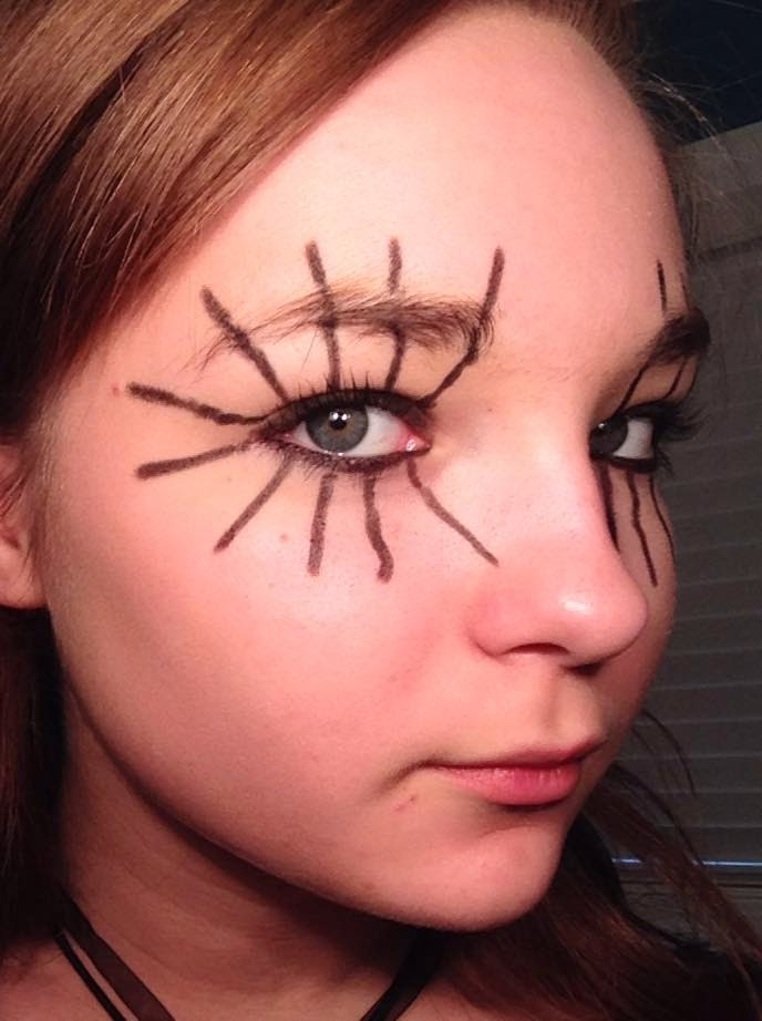Spider eye makeup