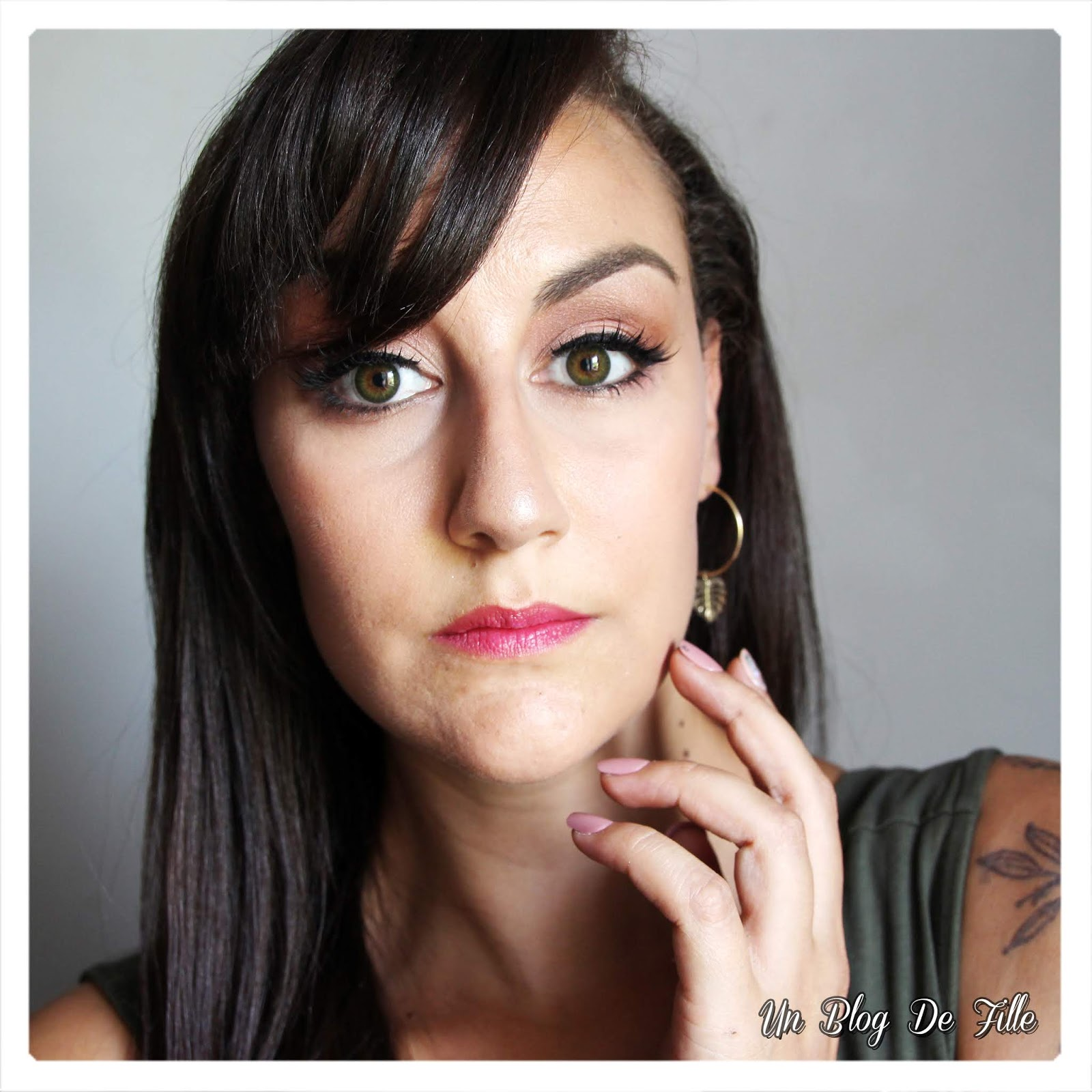http://www.unblogdefille.fr/2018/06/maquillage-hexa-pink-nude-de-kiss-new.html