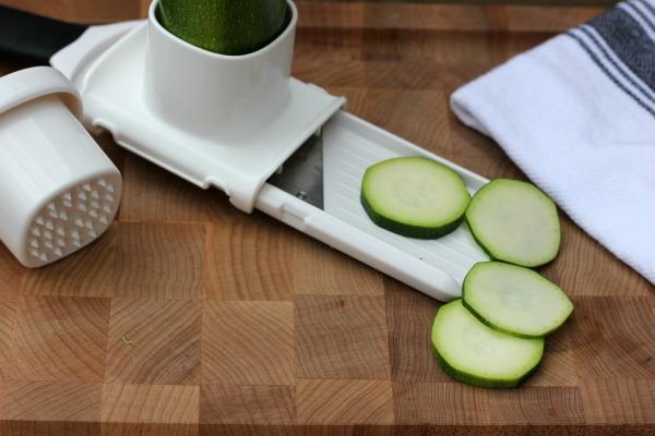 OXO Good Grips Small Vegetable Slicer