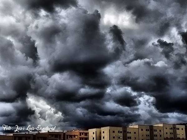 La borrasca que afecta a Canarias, 23 febrero, ha hecho cancelar dos vuelos y desviar otro / Fotógrafo: José  Luis Sandoval