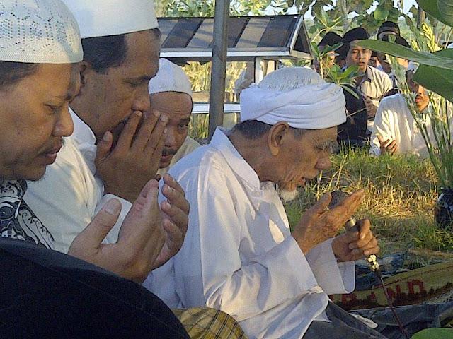 Shalat Rebo Wekasan di Pondok Pesantren Al-Anwar Sarang